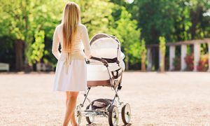 Modern strollers: help in choosing for expectant mothers