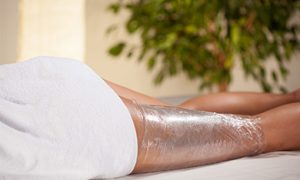 "Wrapping from cellulite at home: technique, the right mixture and the results of relaxation in the ""cocoon"""